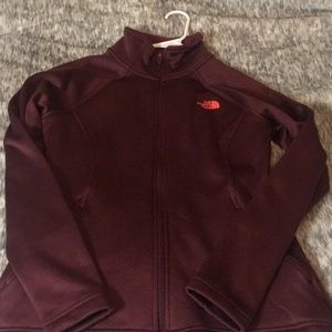 The North face jacket: maroon size M